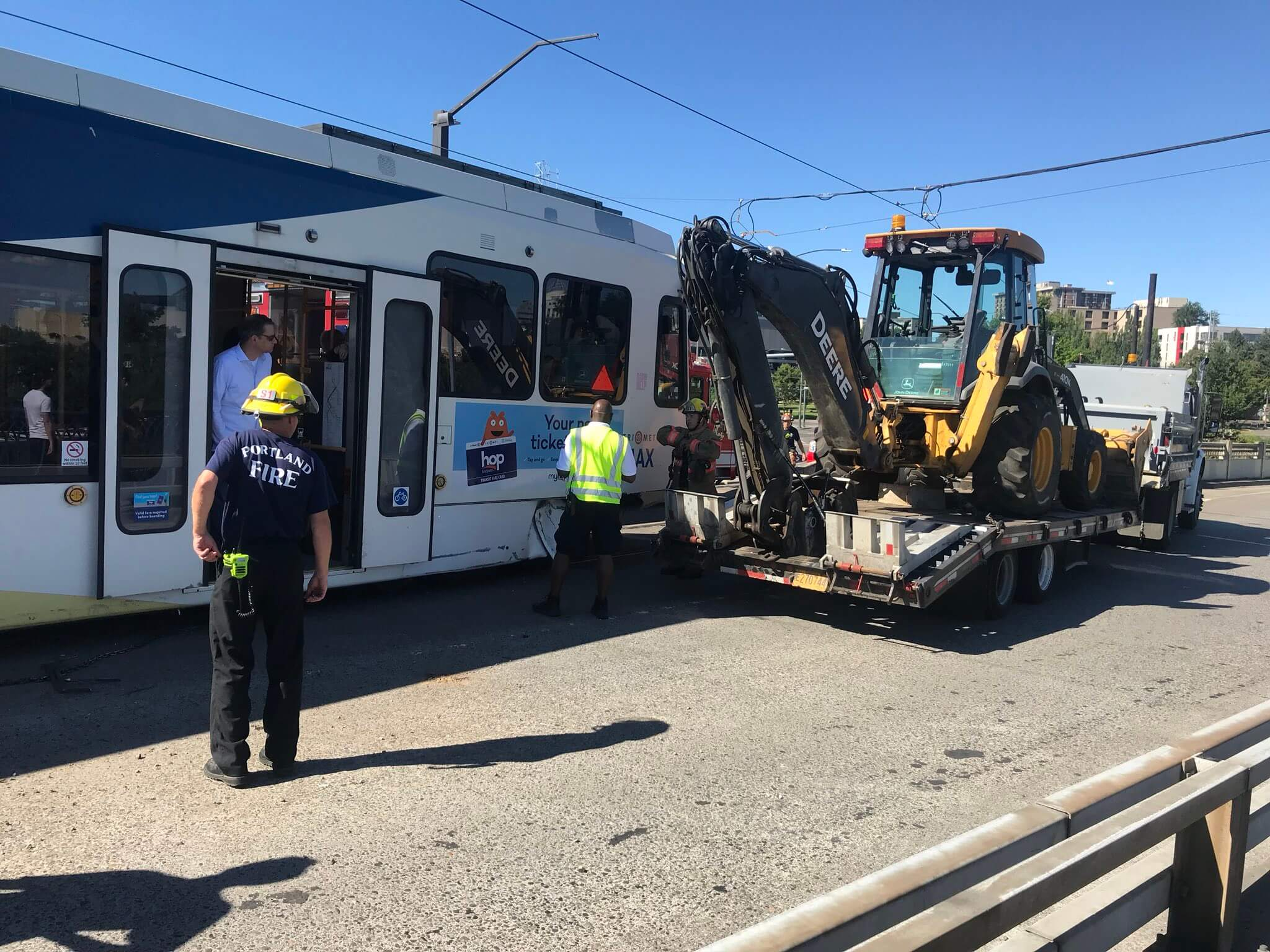 Commuter chaos: Crash shuts down Portland MAX LRT during PM rush hour
